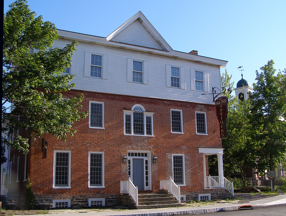 The 1811 House - Walking tour of Chatham, NY